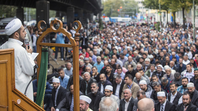 German Muslims hold day of protest against ISIS jihadists