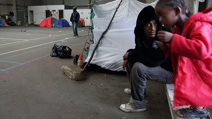 UK govt to pour nearly £12 mn into France for immigration crackdown help