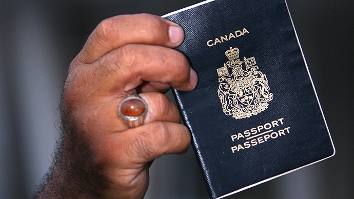 Canada to revoke passports of citizens who leave to fight alongside ISIS