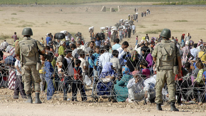New clashes erupt at Syrian-Turkish border as 100k+ refugees flee