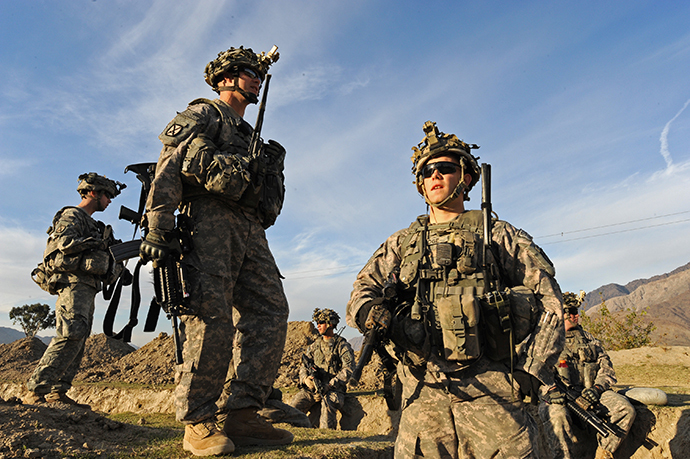 US soldiers from First Batallion, 32nd infantry Regiment 3rd Brigade, 10th Mountain division patrol in Kunar on December 12, 2009. (AFP Photo / Tauseef Mustafa)
