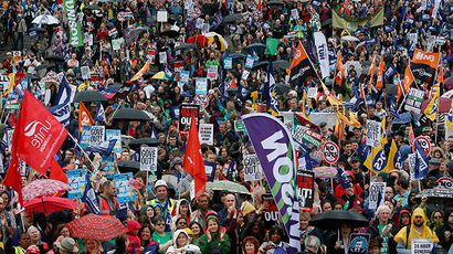 24-hr public strike grips UK – 200,000 protest pay freeze