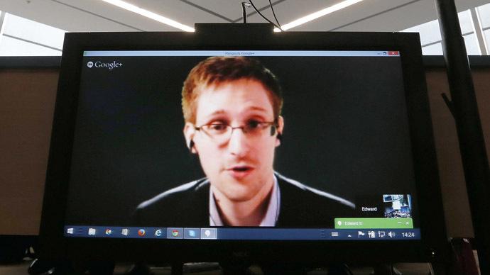 'Seen' in New York: Edward Snowden on the run again