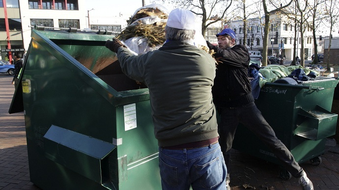 Seattle to fine residents, businesses for wasting too much food
