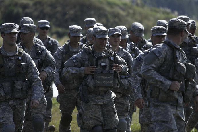 U.S. servicemen take part in military exercises outside the town of Yavoriv near Lviv, September 19, 2014. (Reuters/Roman Baluk)