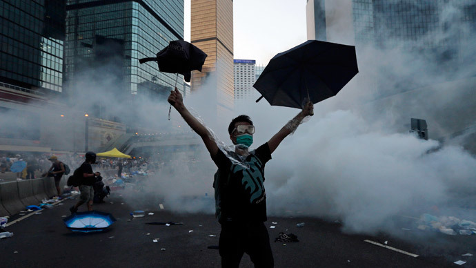 Umbrella Men: Hong Kong's #OccupyCentral goes viral (PHOTOS)