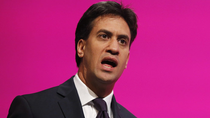 "Ed Miliband, leader of Britain's opposition Labour Party, sings the hymn ""Jerusalem"" as his party's conference is closed in Manchester, September 24, 2014. (Reuters/Suzanne Plunkett)"