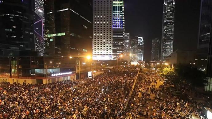 Tens Of Thousands Sleep Out: Massive Protest Lights Up Hong Kong Skyline – 30 September 2014 1
