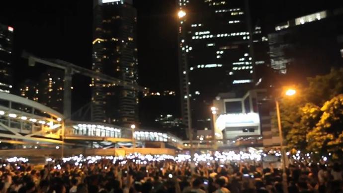 Tens Of Thousands Sleep Out: Massive Protest Lights Up Hong Kong Skyline – 30 September 2014 4