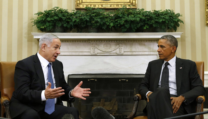 U.S. President Barack Obama (R) meets with Israel's Prime Minister Benjamin Netanyahu at the Oval Office of the White House in Washington October 1, 2014. (Reuters/Kevin Lamarque)