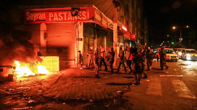 Kurdish rallies in Turkey turn bloody, up to 21 killed (PHOTOS, VIDEO)