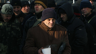Putin says gas deal with Ukraine for winter months only, Poroshenko says no deal at all