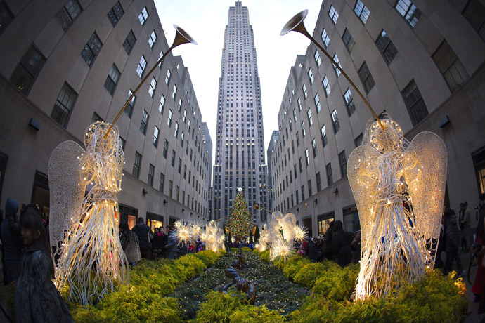 In 1989, Japanese investor Mitsubishi Estate Company bought a 51% stake in the Rockefeller Center. (Reuters/Carlo Allegri)