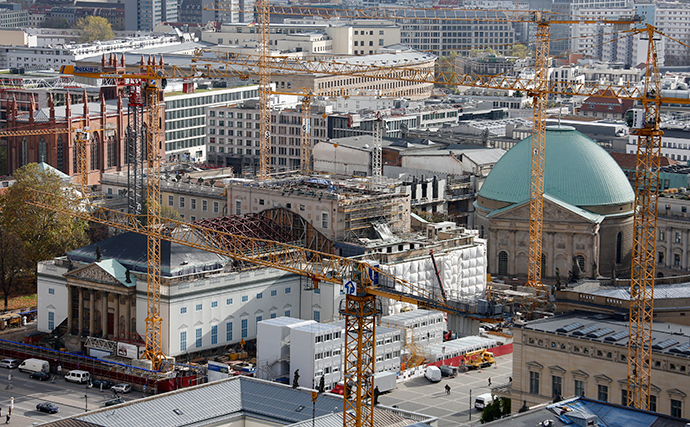 A general view shows the construction site of the Staatsoper Berlin (Berlin State Opera) (Reuters / Fabrizio Bensch)
