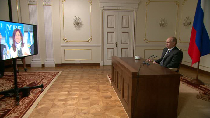 "The ""Russia-Argentina"" video conference between Vladimir Putin and Cristina Kirchner (Screenshot from RT video)"