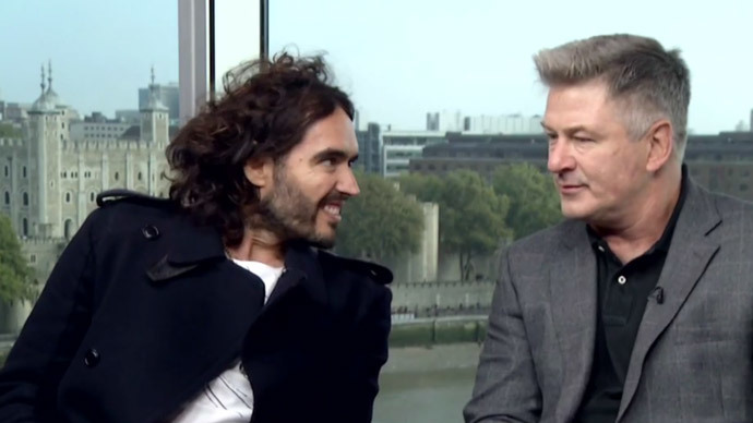 Alec Baldwin, Russell Brand blast corporate elite for attacks on workers (VIDEO)