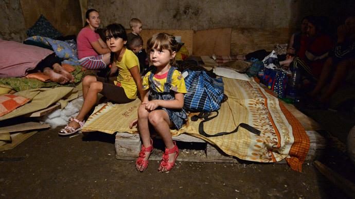 Locals at a bomb shelter in Gorlovka, Donetsk Region.(RIA Novosti / Mikhail Voskresenskiy)