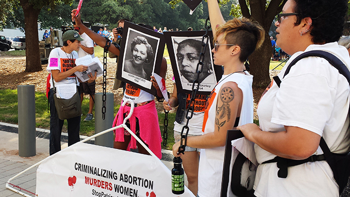 US Supreme Court blocks harsh Texas abortion law