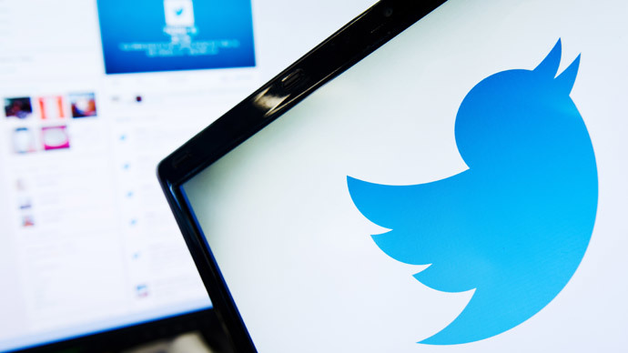 Money tweets! French bank users can now send money with Twitter