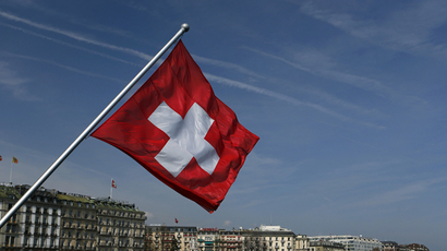 Swiss voters reject 'severe' immigration quotas