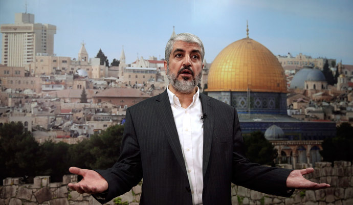 Hamas leader Khaled Meshaal speaks during an interview with Reuters in Doha October 16, 2014. (Reuters / Fadi Al-Assaad)
