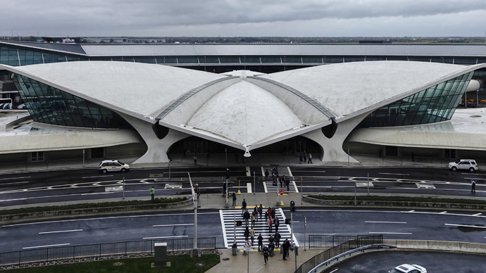 Ebola scare: Man dies on trans-Atlantic flight to JFK after vomiting