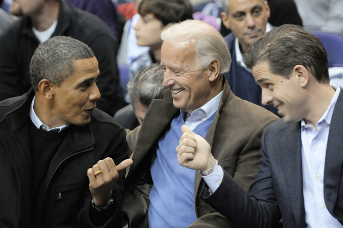 U.S. President Barack Obama (L-R), Vice President Joe Biden and Biden's son Hunter Biden. (Reuters/Jonathan Ernst)