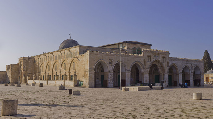 Temple Mount closed to visitors 2nd time in week after Palestinians, police clash