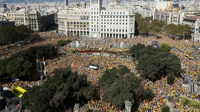 Homage to Catalonia: People defy Madrid casting ballots in symbolic independence vote