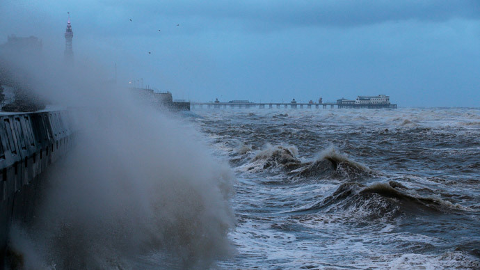 #HurricaneGonzalo: Winds up to 100mph lashing UK, woman killed