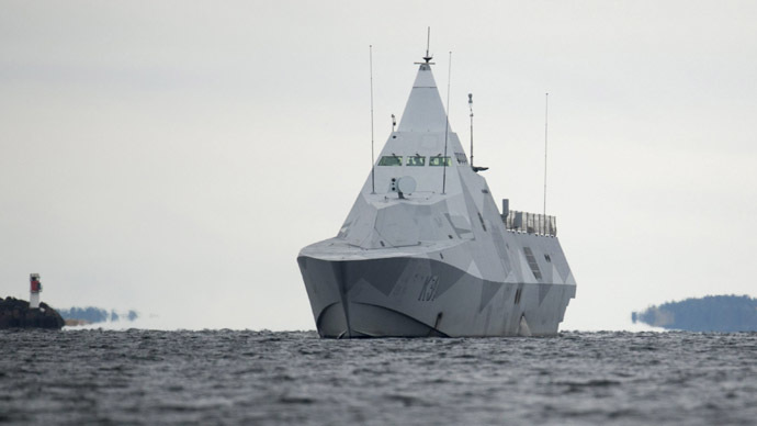 Sweden ready to use force to surface foreign sub as search continues