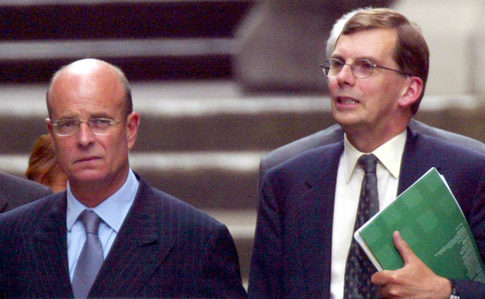 Ex-GCHQ chief Sir David Omand and John Scarlett (L), Chairman of Britain's Joint Intelligence Committee. (Reuters/Toby Melville)