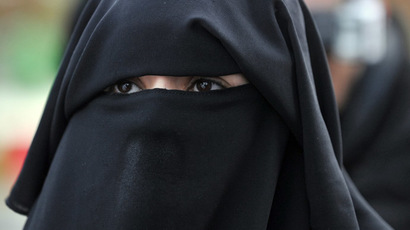 Australian lawmaker proposes 1 yr in jail, $68,000 fine for forcing kids to wear burqas