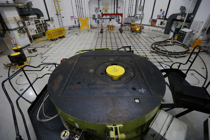 The pile cap covering reactor three is seen inside EDF Energy's Hinkley Point B Nuclear Power Station in Bridgwater, southwest England December 13, 2012. (Reuters/Suzanne Plunkett)