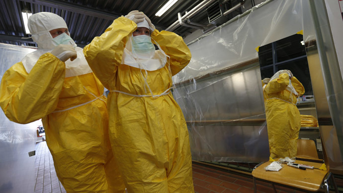 US to monitor anyone coming  from Ebola-stricken countries for 21 days