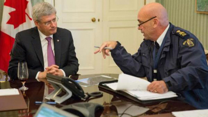Harper's bizarre: PM in Ottawa shooting Twitter wined-up