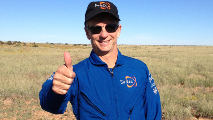Google executive Alan Eustace after setting the record for the highest space dive - 135,908 feet, or 41,000 meters high -- on October 24, 2014 in Roswell, New Mexico. (AFP Photo / Copyright 2014 Paragon Space Development Corporation)