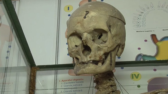 Skeleton in the closet: Romanian headmaster still in class after death (VIDEO)