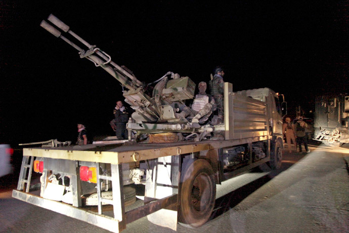 Kurdish peshmerga troops participate in an intensive security deployment against Islamic State militants in Zumar.(Reuters / Ari Jalal)