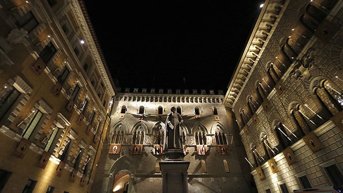 The Monte dei Paschi bank headquarters is pictured in Siena August 16, 2013. (Reuters/Stefano Rellandini)
