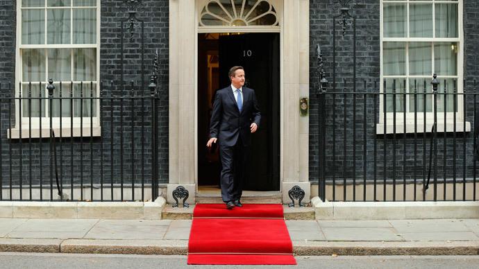 #BumpGate: Man runs into David Cameron, sparks security frenzy