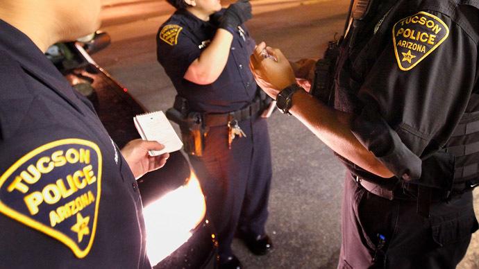 Arizona deputies shook down Latinos for cash: complaints