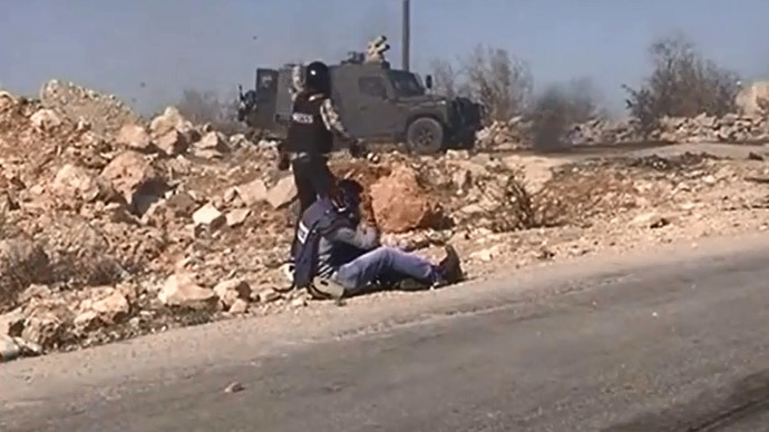 Two journalists hit by Israeli rubber bullets while covering protest (VIDEO)