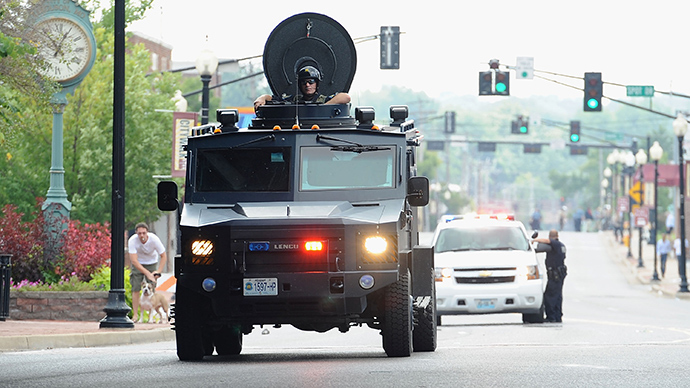 Small town sends armored vehicle, 24 officers to collect debt from 75-year-old