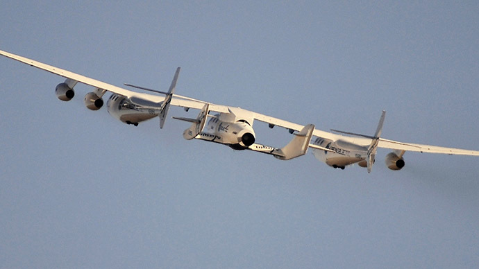 Virgin Galactic's SpaceShipTwo crashes in Mojave desert killing pilot
