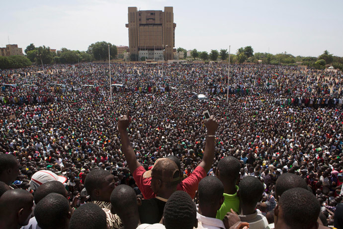 Anti-government protesters gather in the Place de la Nation in Ouagadougou, capital of Burkina Faso, October 31, 2014. (Reuters / Joe Penney)
