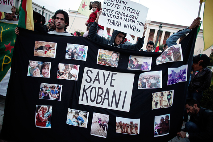 Pro-Kurdish protesters take part in a rally in solidarity with the people of the Syrian Kurdish town of Kobani in Athens November 1, 2014 (Reuters / Alkis Konstantinidis)