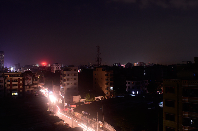 A general view shows Dhaka during a power blackout on November 1, 2014 (AFP Photo / Munir uz Zaman)