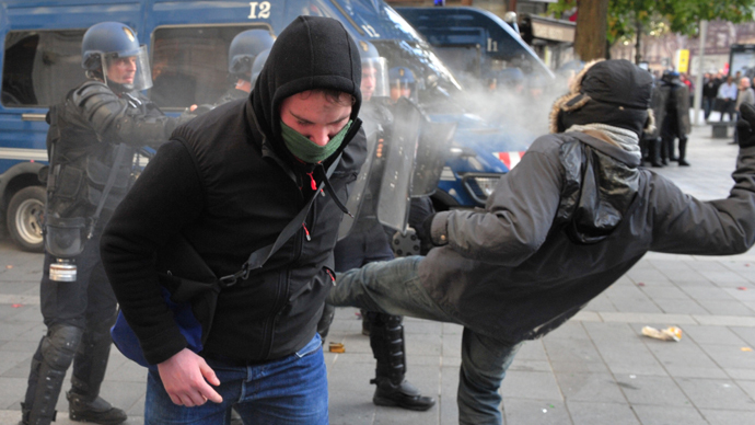 100 arrested, 9 injured: Violent clashes in France after protester killed 'by police grenade' (PHOTOS, VIDEO)