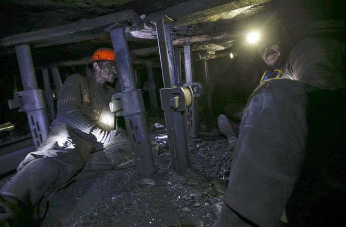 Miners work at the Gorniak 95 coal mine in the town of Makiyivka, near the regional capital of Donetsk in eastern Ukraine (Reuters/Maxim Zmeyev)
